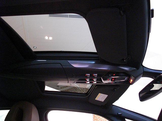 シトロエン DS5 ガラスルーフ画像