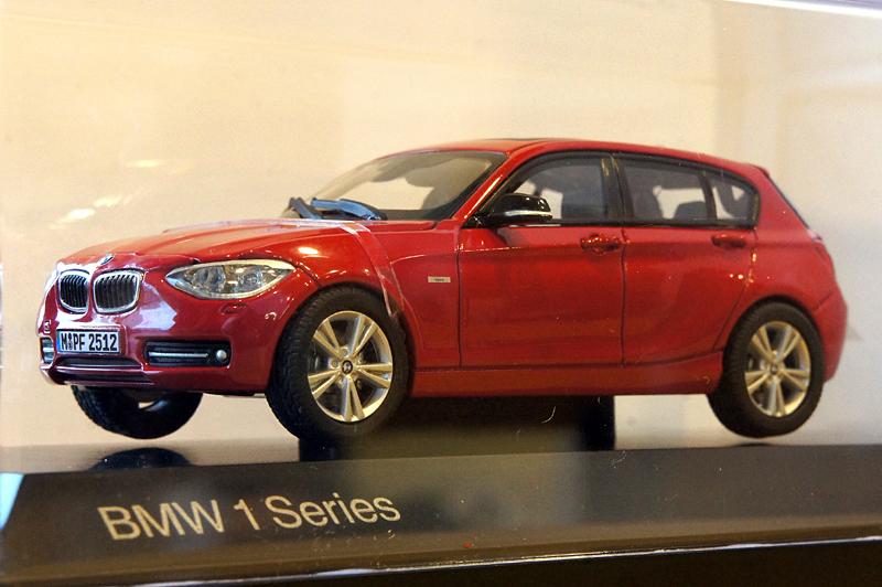 BMW 1シリーズ 1/43ミニカー