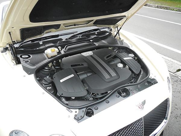 ベントレー コンチネンタルGT V8Sコンバーチブル 012